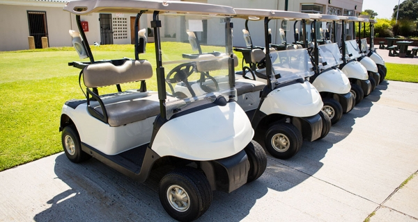 Starter-Marshall como posición estratégica en un campo de golf